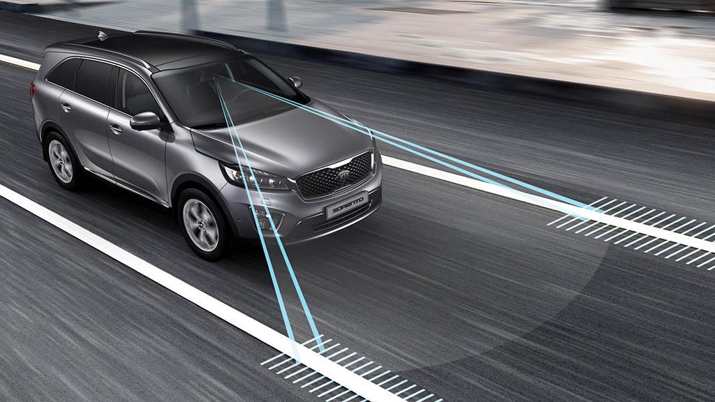 سیستم اخطار خروج از خط دوربین خودرو